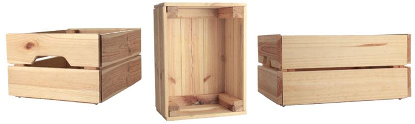 Einfache Holzkiste aus mehreren Winkeln